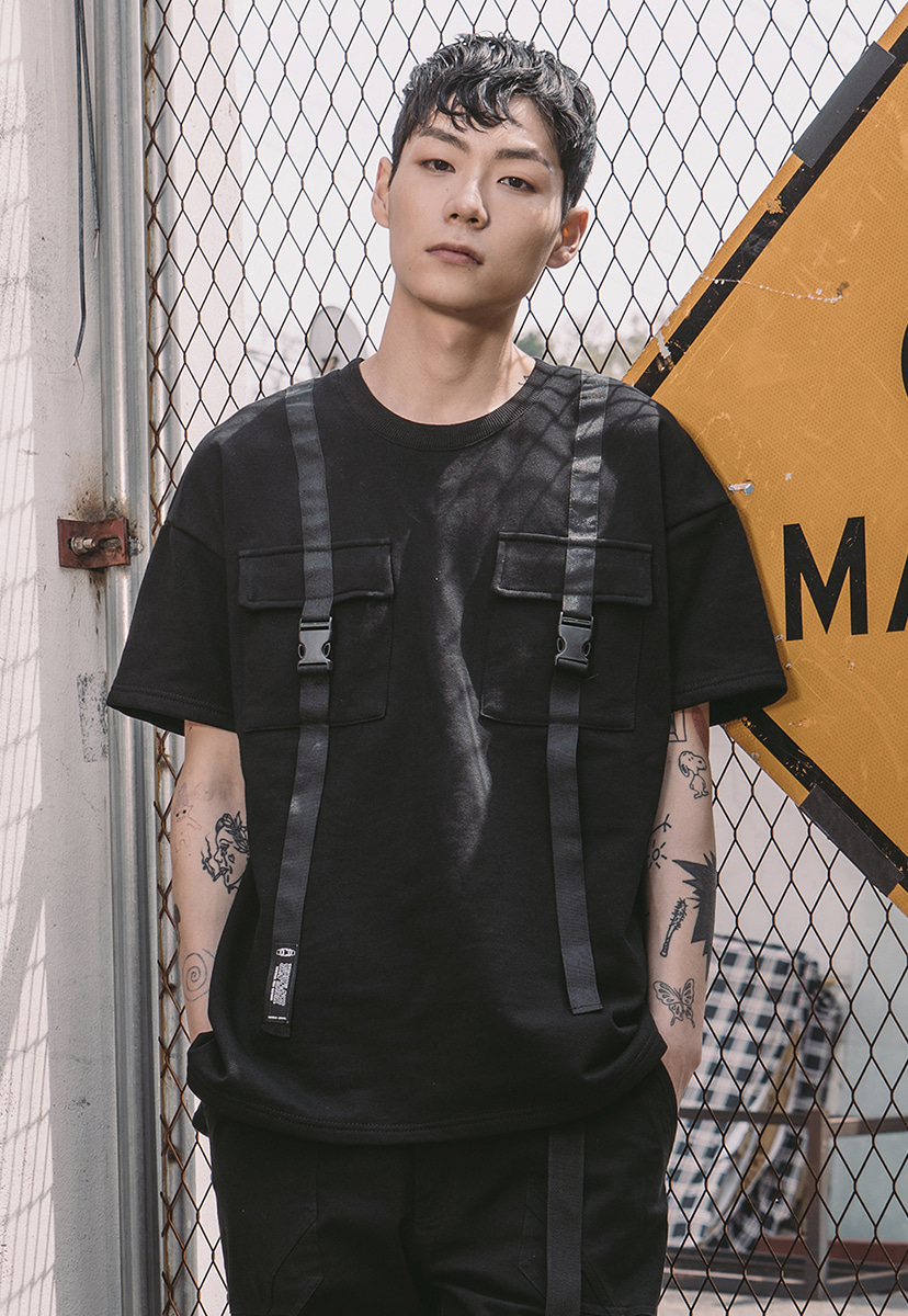 [크럼프] Tech flavor pocket strap tee (TT0003)
